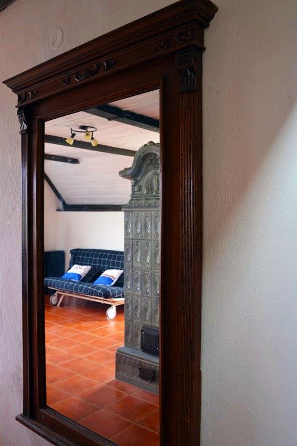 Zrcadlo + pohled z ložnice