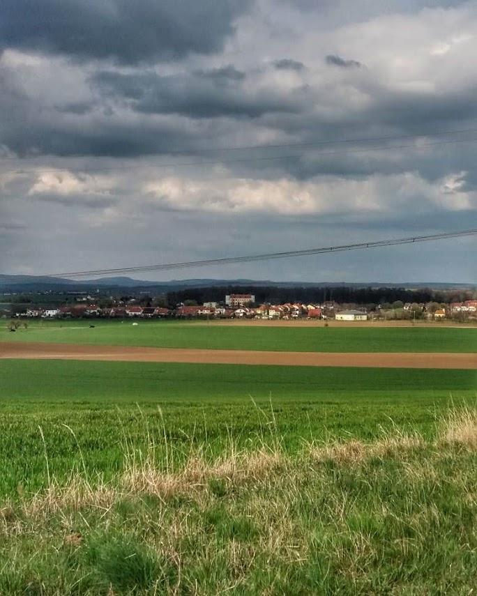 Výhled na zámek Milotice